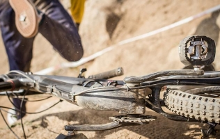 IT MUST HAVE HURT – MOUNTAIN BIKING ACCIDENTS