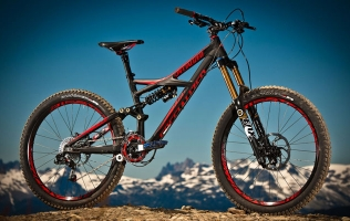 5 OF THE BEST ENDURO MOUNTAIN BIKES FOR UNDER £2500